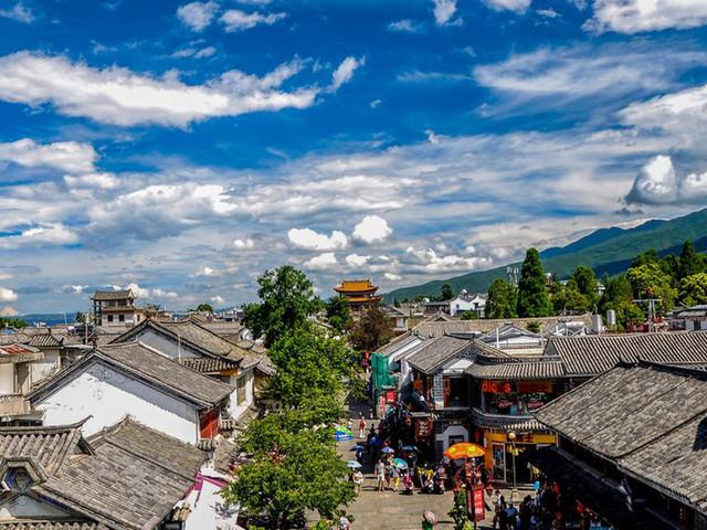 猪槽船游泸沽湖,篝火晚会,丽水金沙表演,千年茶马古道,乘洱海大游船