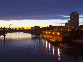 <克鲁西贝尔号莱茵河游轮之旅13日>9月23日北京往返 德法荷比卢五国