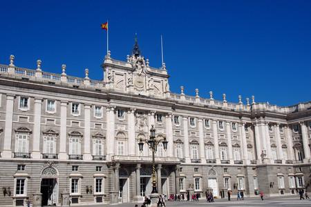 [五一]<欧洲西班牙+葡萄牙+安道尔12日游>全含无自费,4至5星,阿尔汗布拉宫,马德里皇宫,圣家堂,塞戈维亚,斗牛庄园,风车村,烤乳猪,亲制海鲜饭,WIFI,
