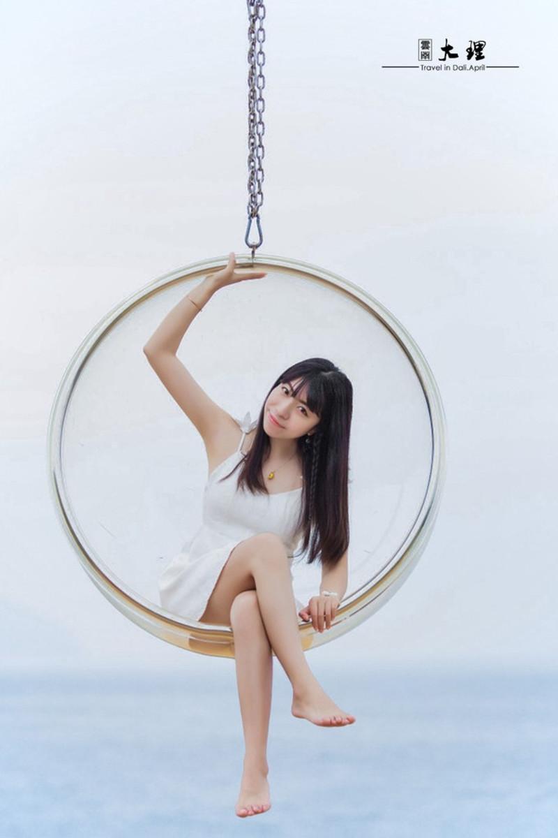 让人幻想连连的玻璃球      图片