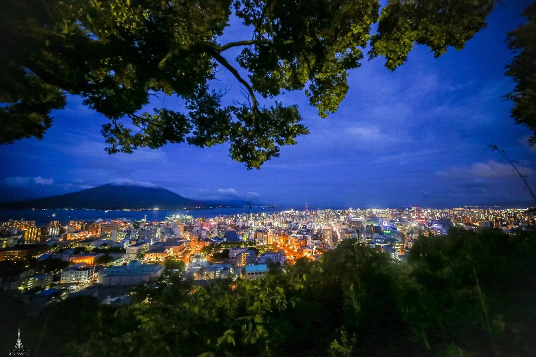 城山是鹿儿岛最高的山,又位于鹿儿岛市的正中心,站在城山展望台上
