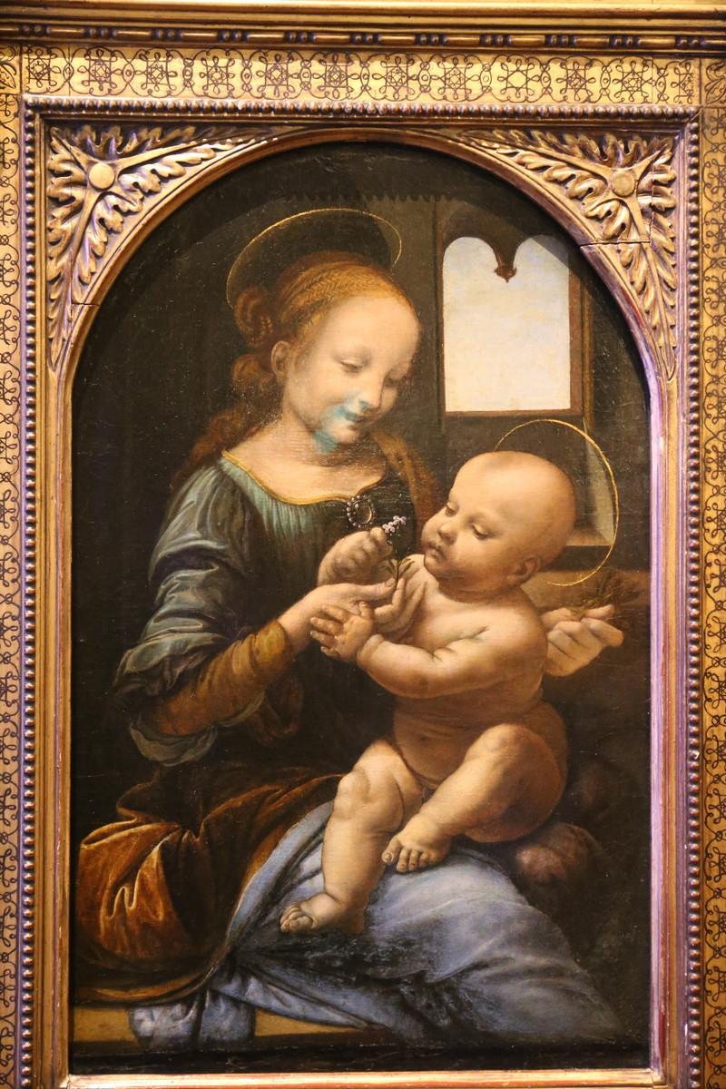 达芬奇名画持花圣母,也是冬宫镇馆之宝之一