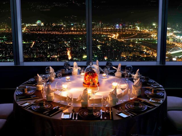 <台湾台北 顶鲜101美食美景餐厅美食套餐>101大厦86楼 俯瞰惊艳城市夜景