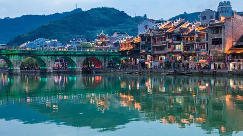 贵州镇远古镇夜景