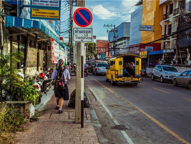 泰国清迈4晚6日游 特色住宿·大象营 宁曼街 双龙寺 1