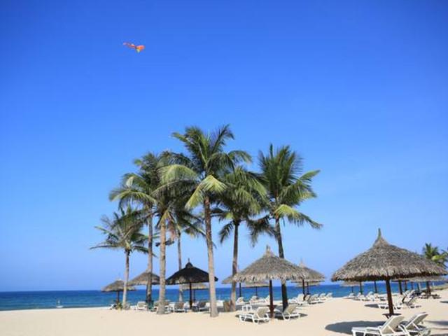 越南-芽庄5晚6日游-- 珍珠岛全天畅玩 白美泥浆浴 湛蓝的天空和海水