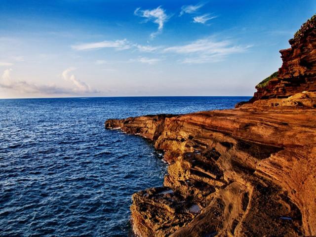 涠洲岛火山地质公园-天主教堂-拾贝海滩一日游 海岛观光 水与火的浪漫