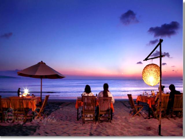 游玩时长:约1小时 【金巴兰海滩】jimbaran beach是整个巴厘岛最令人