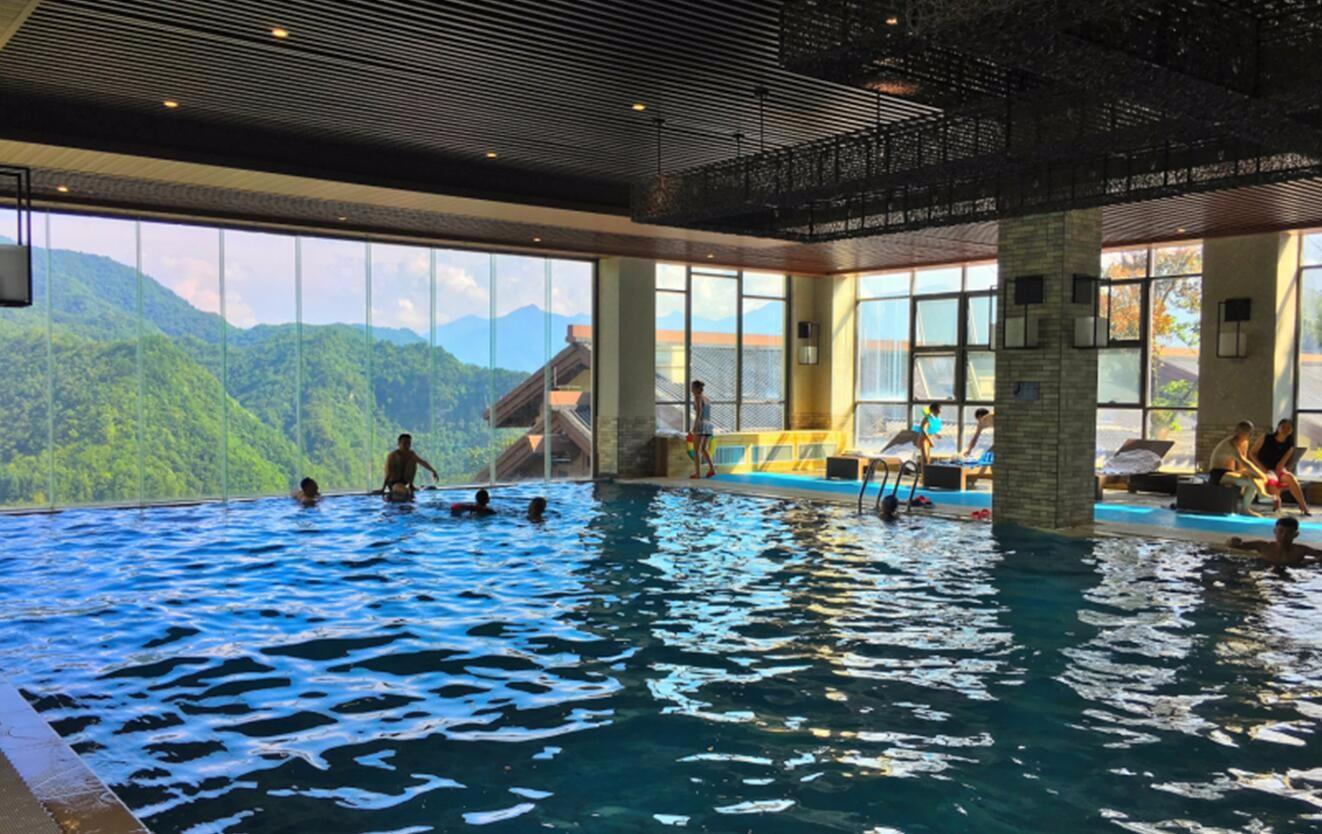 无边界泳池_龙降坪国际度假区无边界泳池