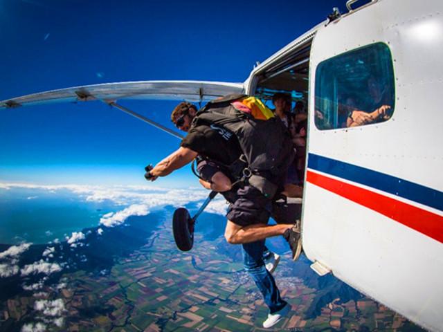 <凯恩斯14000英尺海景高空跳伞>(60秒自由落体 可选升级至15000英尺)