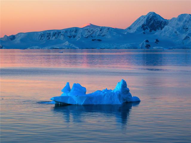 <瓦维洛夫号邮轮-飞南极+南美五国33日游
