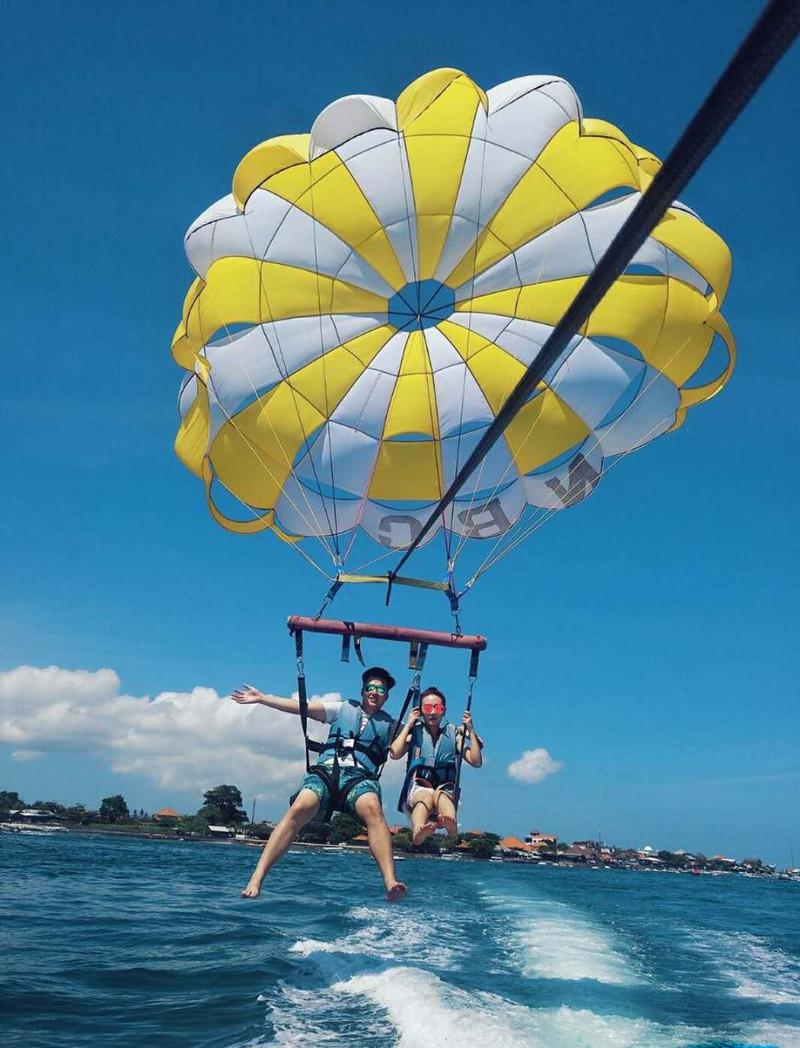 天涯海角,南湾戏水 舒适住宿:巴厘岛b水疗酒店,可以俯瞰巴厘岛,是享受