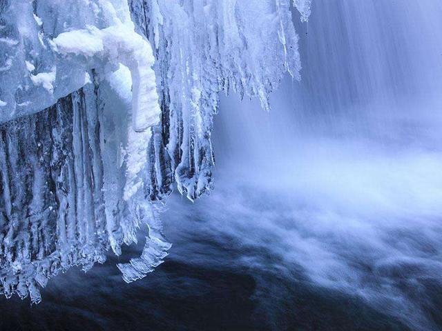 长白山冰雪瀑布图片