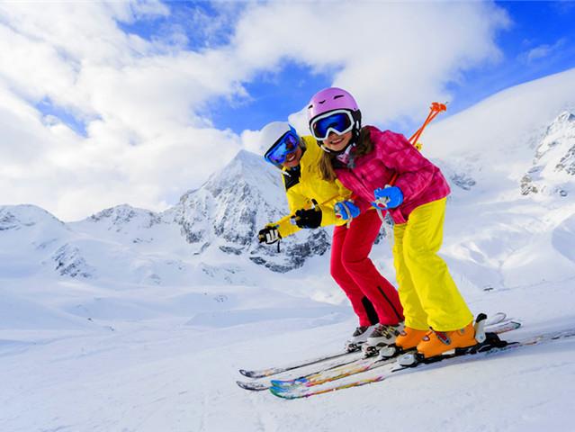哈尔滨 雪乡 万科滑雪 长白山 镜泊湖 雾凇岛双飞7日游 纯玩0购物