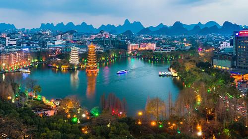 航拍桂林日月双塔