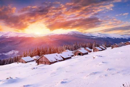<雪乡汽车2日游>2加1航空座椅、雪地摩托、梦幻家园、东北二人转、寒地温泉、马拉爬犁、十里画廊、俄罗斯家访