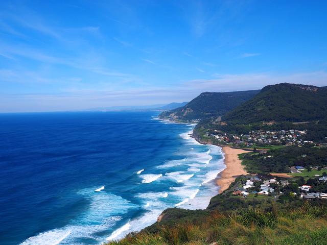 """【卧龙岗】:卧龙岗被称为悉尼的""""后花园"""",海滩遍布,风景"""