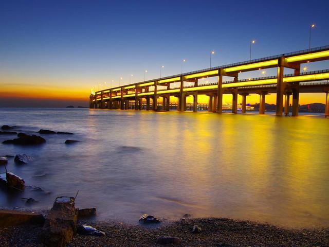 市区热游景点,港珠澳大桥一览宏伟建筑,含午餐,市区内上门接送
