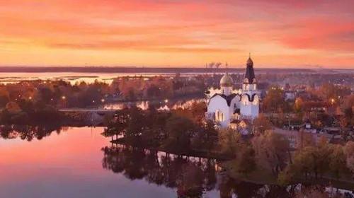 <俄罗斯双首都+谢镇四飞8日游>(暑期预售)游历莫斯科、圣彼得堡、新西伯利亚,追溯沙皇时代历史辉煌、第二次世界大战和苏联解体的岁月变迁
