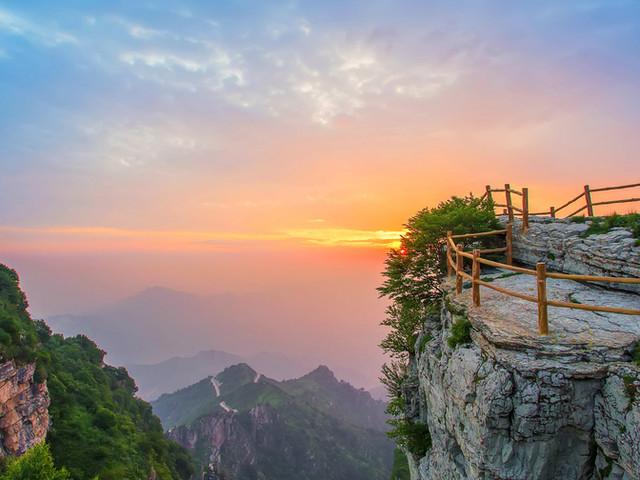 <涞源白石山世界地质公园一日游【寻一处山林听风赏花看云海,尽在白石山】>