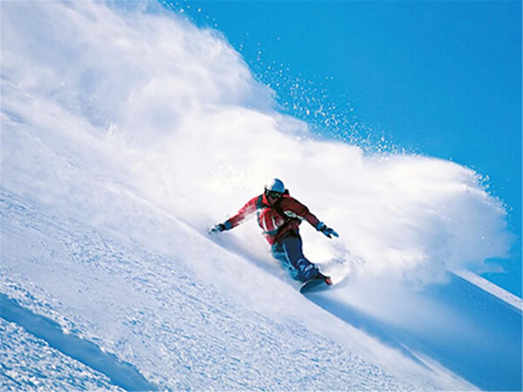 沈阳怪坡国际滑雪场:坐落在沈阳市东北方向群山环绕,林海