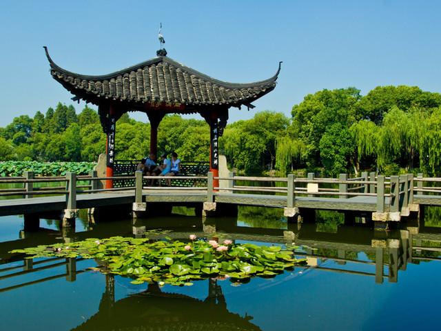<苏州周庄+杭州西湖游船+西溪国家湿地公园·周家村二日游【集合五公里内免费接, 上海出发】>