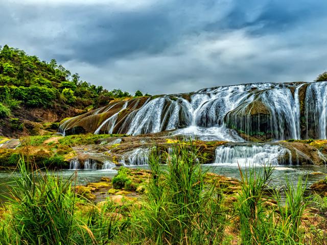 景点 · 陡坡塘景区 游玩时长:约40分钟 陡坡塘景区位于黄果树
