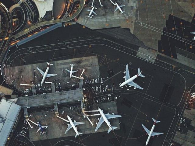 墨尔本图拉曼里国际机场 - 墨尔本市区单程接机/送机【华人司导】
