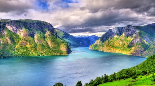 The most famous Icelandic waterfall - majestic Seljalandsfoss