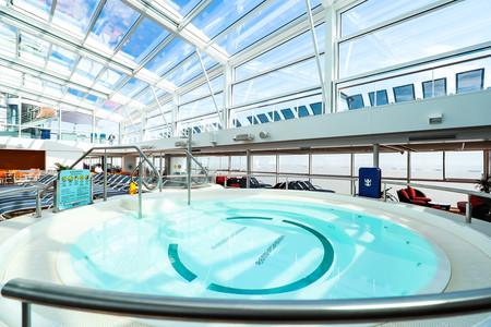 光谱号 室内泳池