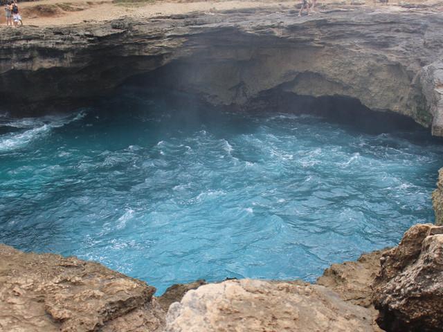巴厘岛蓝梦岛恶魔的眼泪