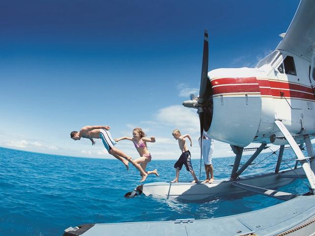 <圣灵群岛水上飞机大堡礁3小时探险游>(空中观览心形礁+哈迪大堡礁浮潜)
