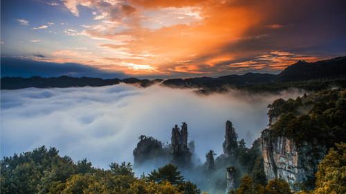 长沙-韶山-天门山-玻璃桥-张家界-烟雨晚会-黄龙洞-凤凰双飞6日游