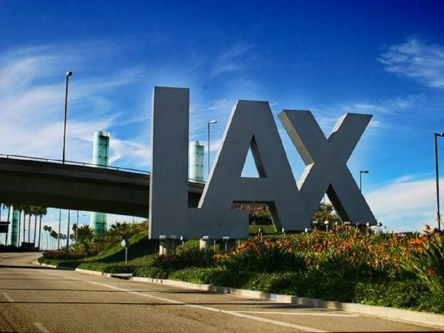 洛杉矶国际机场专车接送机尊贵服务-给您宾至如归的接送机体验