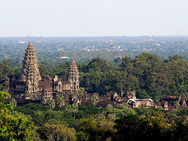 是柬埔寨的标志,印在了柬埔寨的国旗上.