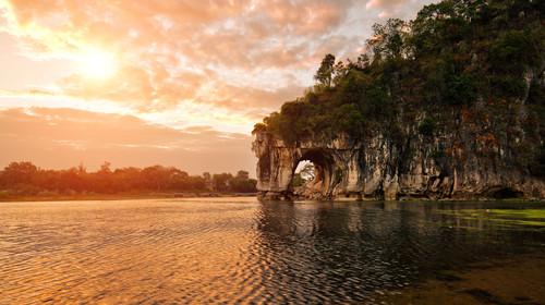 桂林-龙脊-漓江-遇龙河-银子岩-世外双飞6日游