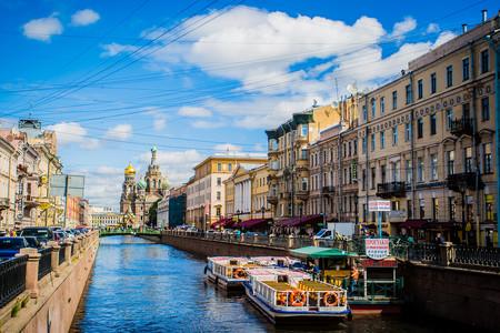 <俄罗斯机票+当地8日游>4到8人小团,俄罗斯国粹马戏、全世界50佳餐厅、冬宫夏宫艺术巡礼、圣彼得堡芭蕾舞表演、莫斯科游船