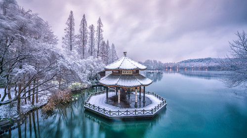 west lake in winter, hangzhou city,china