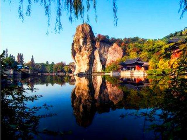 风景区是国家aaaa级旅游区位于中国浙江省绍兴市柯桥区柯岩大道558号