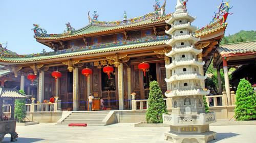 China Xiamen Nanputuo temple