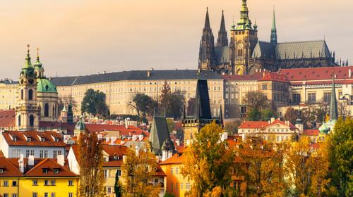 捷克布拉格自在行12-13日游