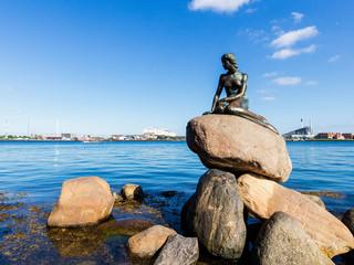 <皇家加勒比海洋旋律号挪威三大峡湾巡游11日>8月17日北京往返(盖朗厄尔峡湾、哈当厄尔峡湾、吕瑟峡湾),丹麦