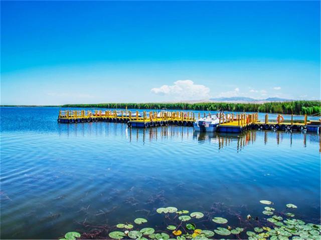 景点 · 阿洪口 游玩时长:约2小时30分钟 阿洪口景区为博斯腾湖
