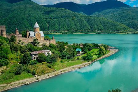 <阿塞拜疆-格鲁吉亚-亚美尼亚-北奥塞梯-车臣-印古什-达吉斯坦共和国7国19日游>一价全含/全程四至五星,特色酒店/独立领队