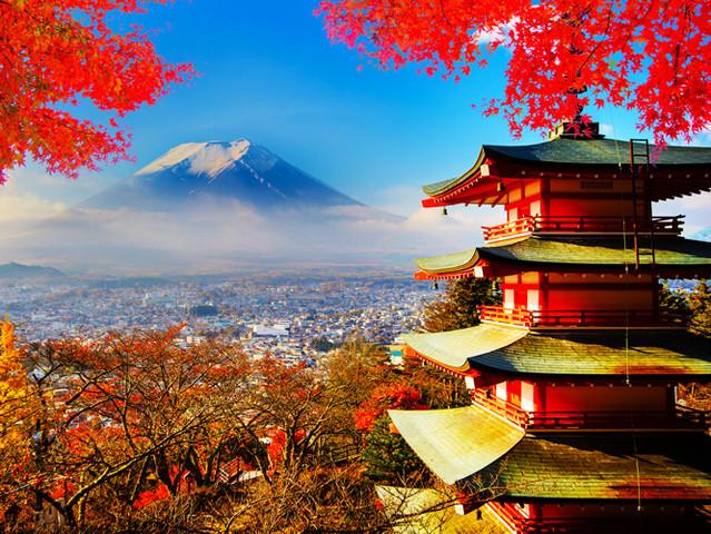 酒店内精美早餐中餐:日式或中式料理晚餐:日式或中式料理 住宿富士山