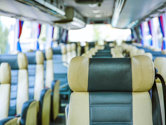 07:00 成都 新都桥镇 全新升级航空座椅大巴,50座宽大车身,仅30个座位
