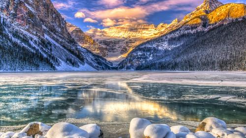 加拿大艾伯塔省冬季滑雪雪趣9日游