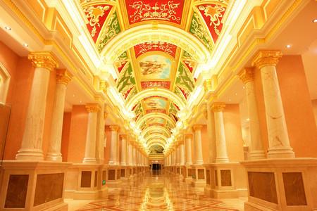 <长沙-韶山-张家界-玻璃桥-天门山-凤凰双高6日游>