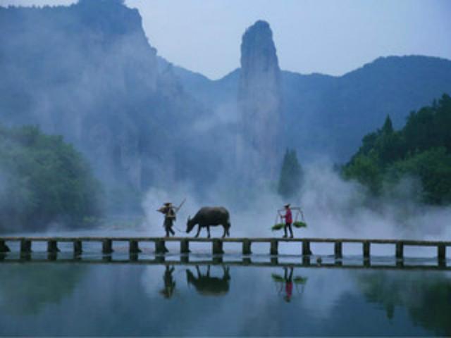 (参考时间)游览国家4a级风景名胜区【仙都景区鼎湖峰】(门票已含