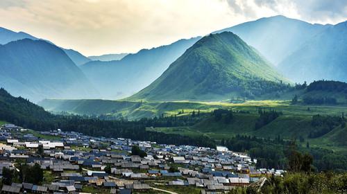 新疆天池-吐鲁番-喀纳斯-禾木-赛里木湖-那拉提-巴音双飞12日游